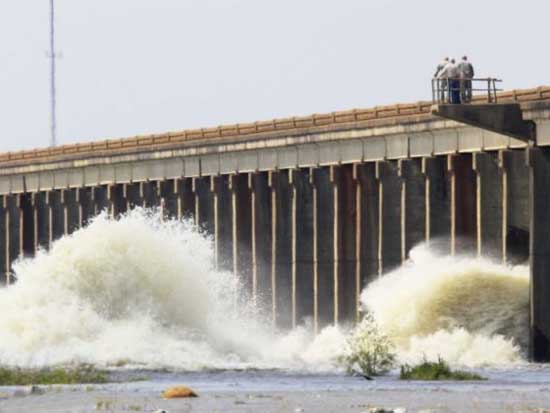 Mississippi floodgates opened